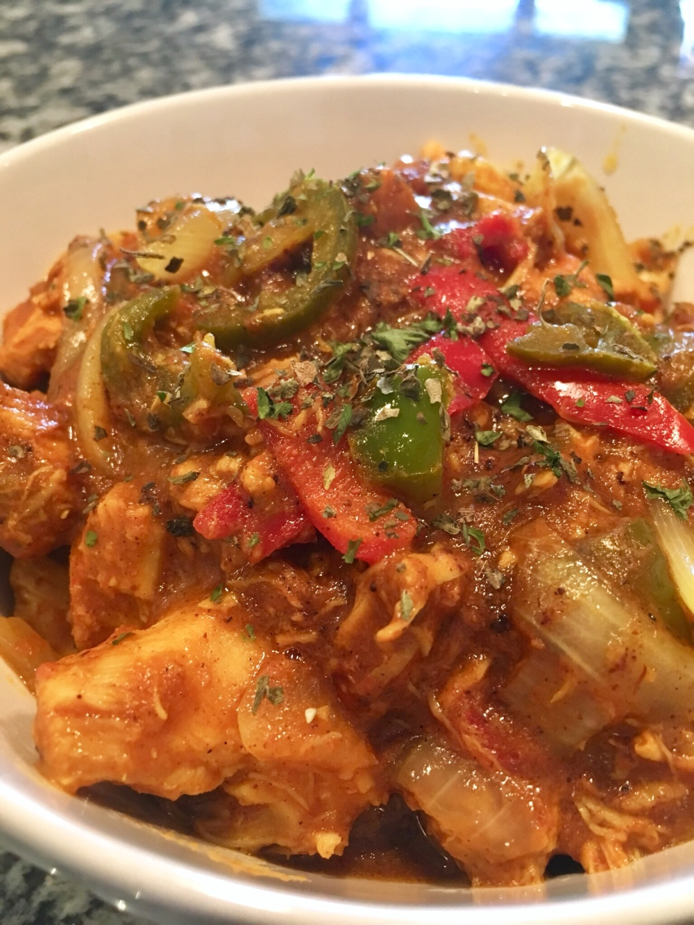Chicken Jalfrezi in bowl | Rafa Farihah